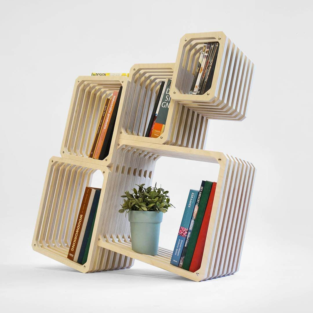 Full wood parallel shelf, suitable in any angle and configuration. #bookcase #bookshelf #modular #studiolorier