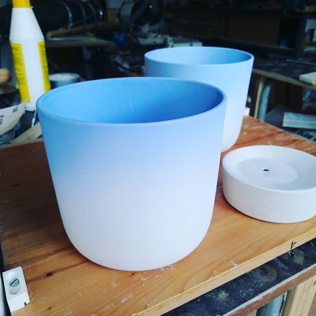 Working on #ceramics with a #color #gradient #spayed #porcelain #studiolorier