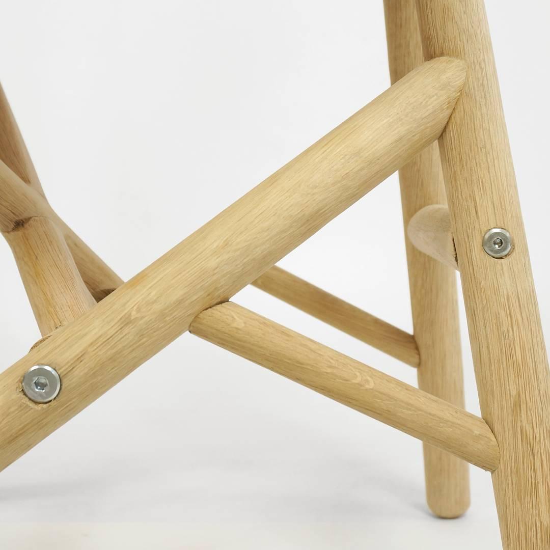 Detailled construction of solid oak frame