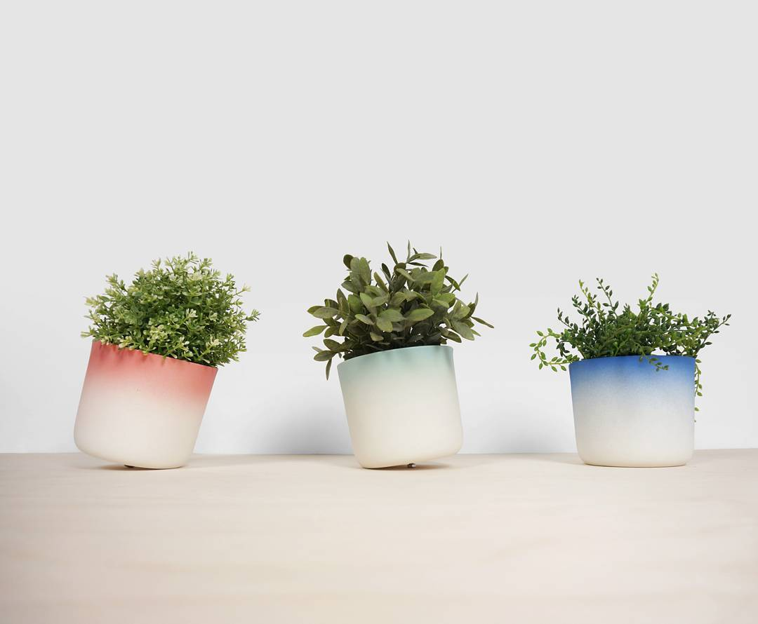 Spin your plants with the flowertop, available in three bright colors