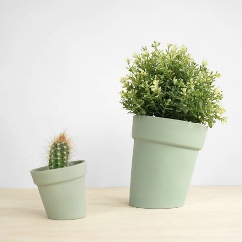 Distorted Flowerpots, small and large