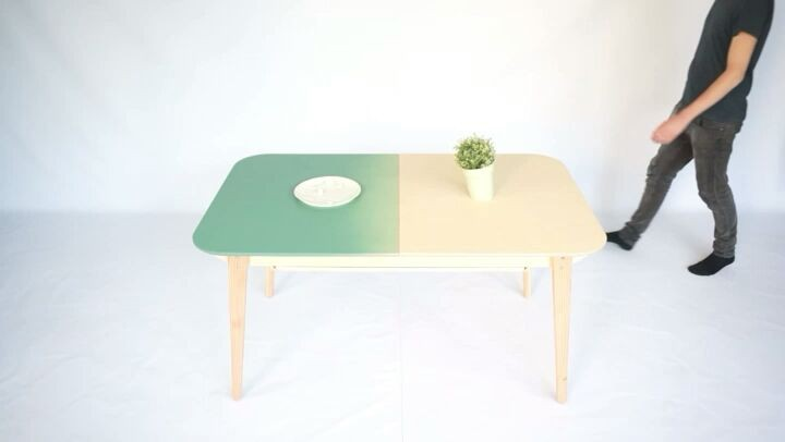 Our multi-purpose table: extendable and with an integrated storage