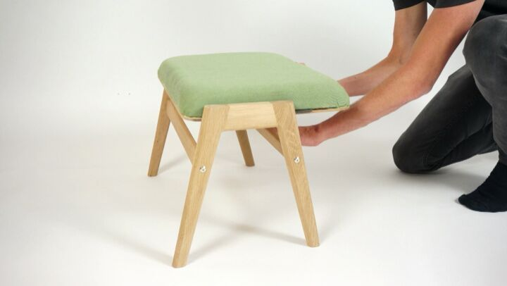 The perfect solution to save space, the Hybrid Footstool that can easy switch to side table