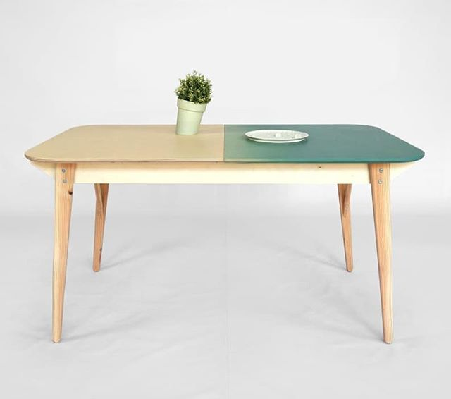 Table, in two colors. Extendable and with a storage compartment Available in any custom size #2018