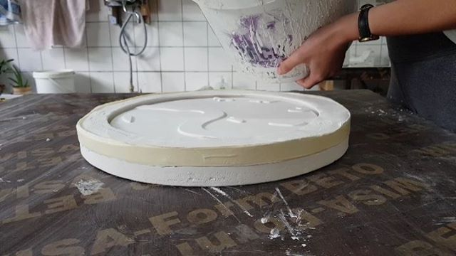 Casting the porcelain city plates