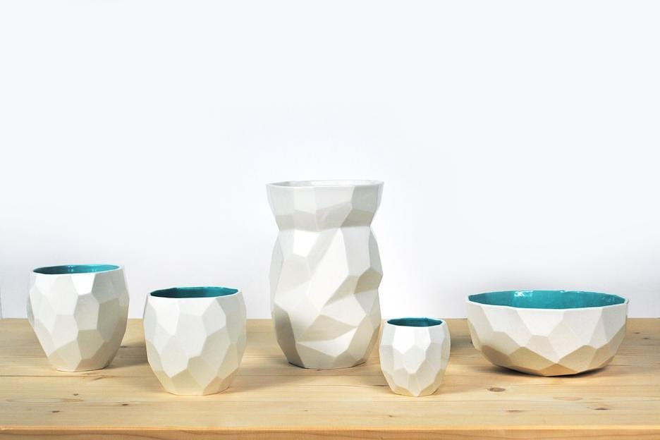 Chose your cups, bowls or vase from the Poligon collection